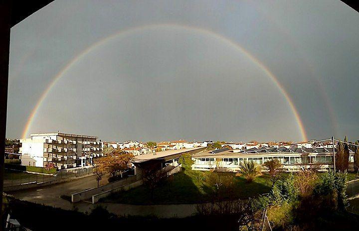 Spettacolare doppio arcobaleno sulla costa teramana FOTO
