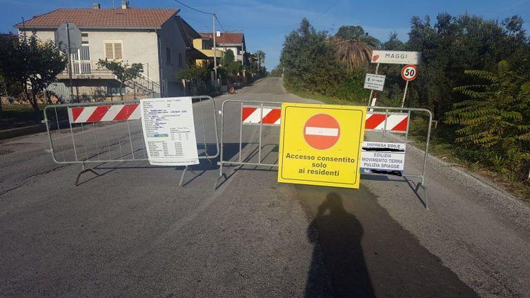 Mosciano, lavori sulla SP10 a Contrada Maggi: cartelli poco chiari FOTO