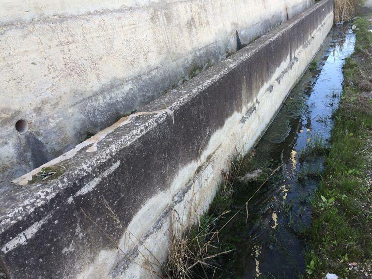Roseto, campo Santa Lucia a rischio per una rottura della condotta dell'acqua FOTO