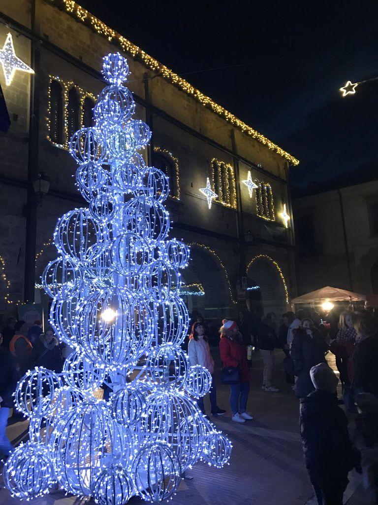 Campli, l'accensione dell'albero di Natale apre il cartellone degli eventi