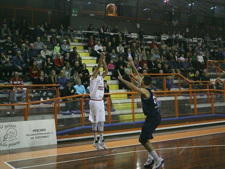 Basket, Amatori Pescara supera Valdiceppo e sale al secondo posto