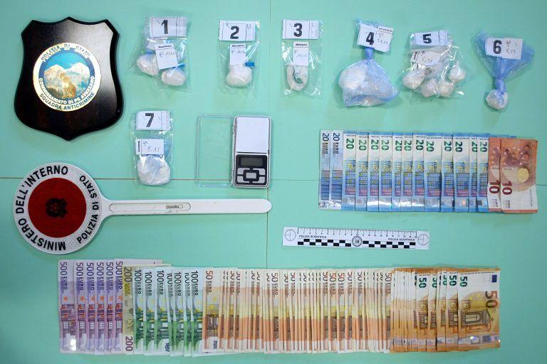 Celano, cocaina nascosta nei campi: arrestati due spacciatori FOTO
