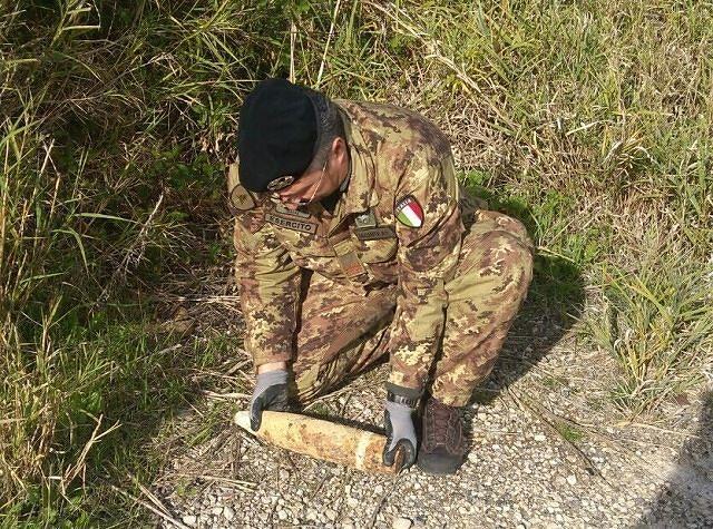 L'Esercito disinnesca una granata a Dogliola