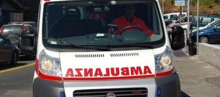 """Teramo, protesta degli autisti di ambulanze: """"Noi, lavoratori usa e getta"""""""