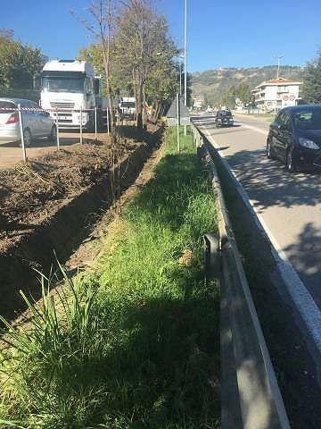 Basciano, avviata la pulizia dei fossi a ridosso del casello della A24
