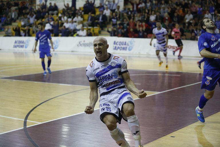 Calcio a 5, Acqua e Sapone dilaga a Pesaro