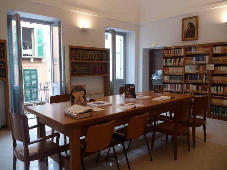 """Giulianova, chiusa la Biblioteca """"Bindi"""" per infiltrazioni"""