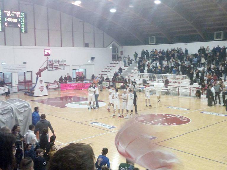 Basket, Ponziani sulla sirena: Campli-Giulianova 72-71