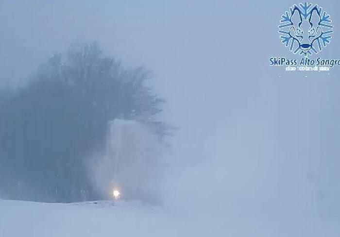 """Neve naturale e """"cannoni"""" accesi negli impianti dell'Alto Sangro"""