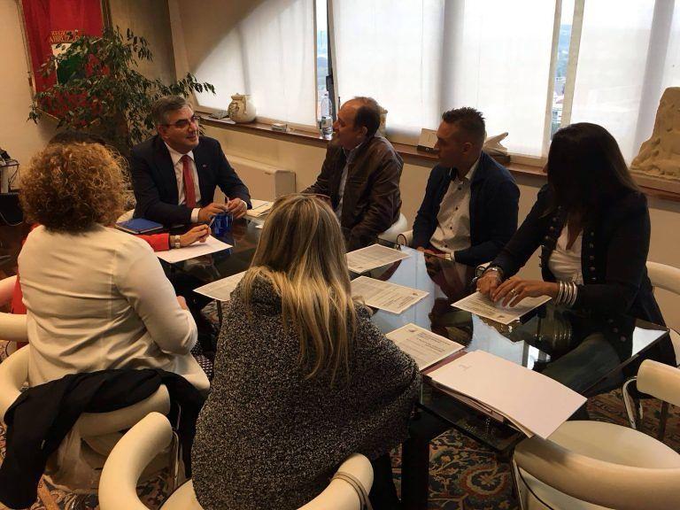 Giulianova, il Pd incontra D'Alfonso: confronto su caserma, ospedale e viabilità
