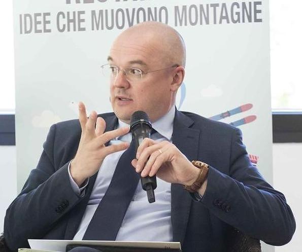 Elezioni: il Deputato Enrico Borghi a Castelli, Isola e Montorio per sostenere i candidati del Pd