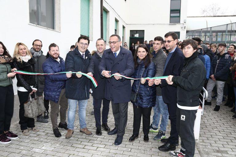 Pescara, la sede del Da Vinci a Piazza Grue riapre risanata e piena di ragazzi