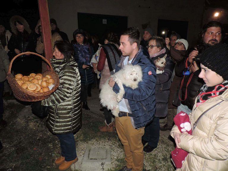 Spoltore, in tanti a celebrare 'Lu Sant'Antonie'