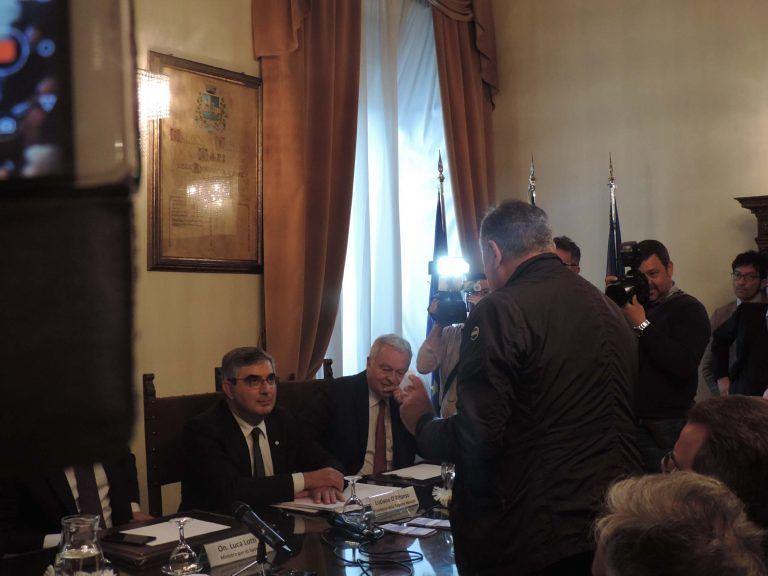 Pescara, mazzette di soldi finti a D'Alfonso dopo la querela ad Antonelli VIDEO