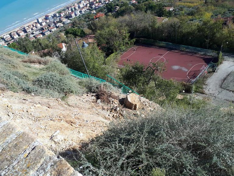 Silvi, frana Belvedere: 'Bisogna lavorare al restauro sul restauro paesaggistico' FOTO
