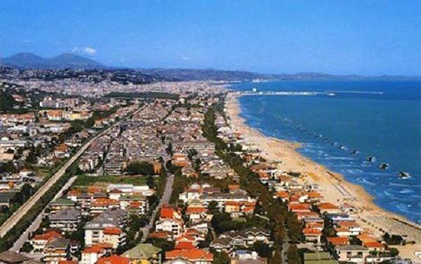 Estate, Francavilla al Mare pensa a kit turista e monopattini
