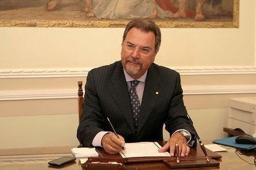 Processo Rigopiano, dissequestrato lo stipendio dell'ex prefetto Provolo