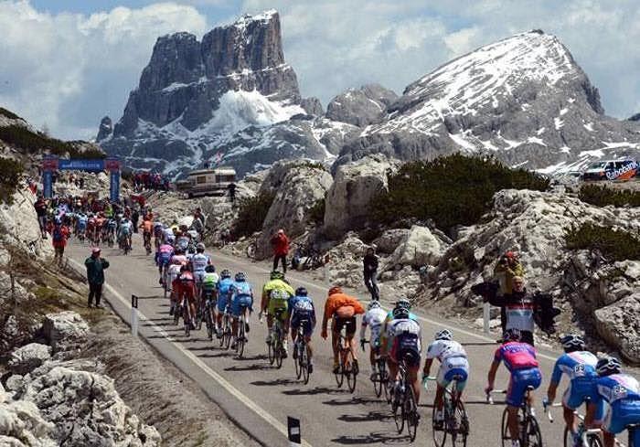 Giro d'Italia ancora in Abruzzo: nel 2018 Campo Imperatore (in quota) e Farindola