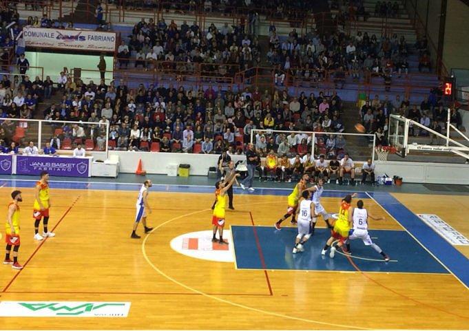 Basket, Fabriano-Giulianova 79-73: primo stop per i giallorossi