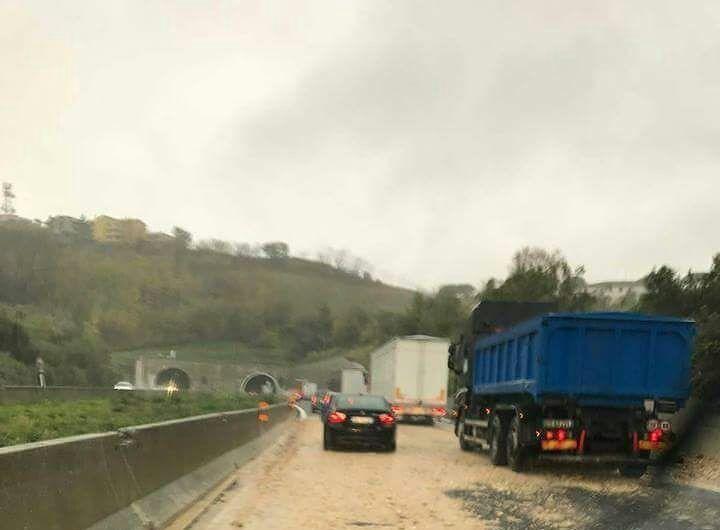 Autostrada A14, chiuso e poi riaperto il tratto Pineto-Pescara nord