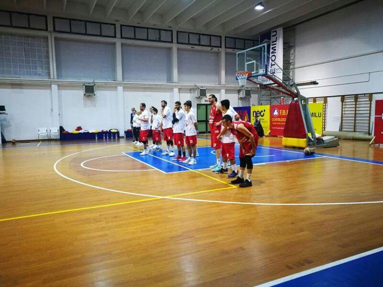 Basket, l'Amatori Pescara sbanca il Palacastrum: quinta sconfitta consecutiva per Giulianova VIDEO