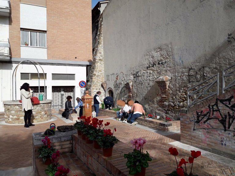 Da Castelli a Scerne di Pineto, passando per Piazzetta del Sole, nel segno della solidarietà