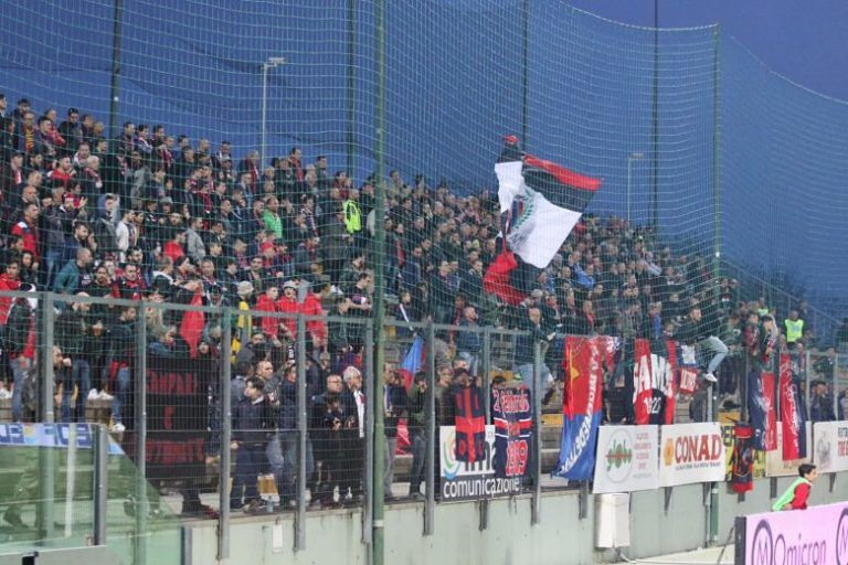 Serie C, invasione rossoblù per Teramo-Samb: quasi 900 biglietti venduti