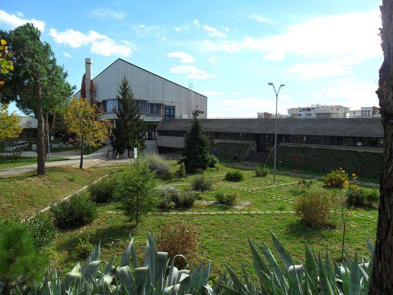 La conferenza scolastica approva solo l'indirizzo grafica e comunicazione del Peano-Rosa di Nereto