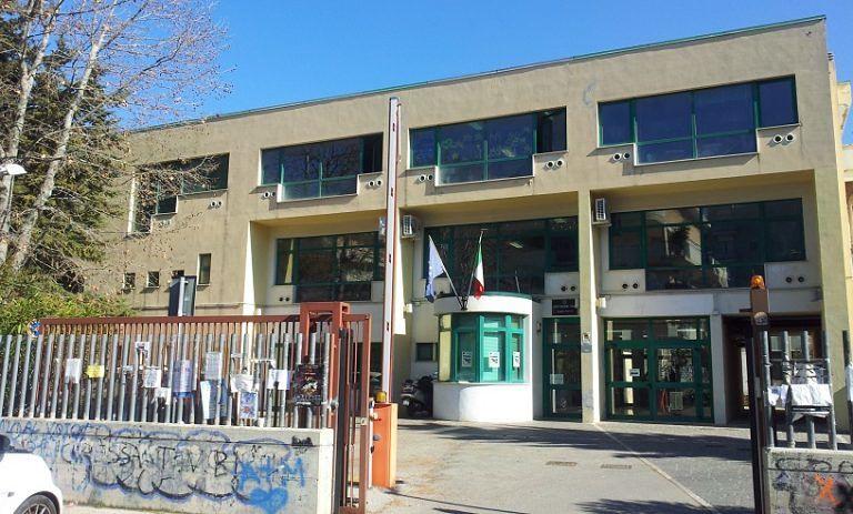 """Pescara, centrosinistra su Liceo Marconi: """"Aule non pronte, verso i doppi turni"""""""