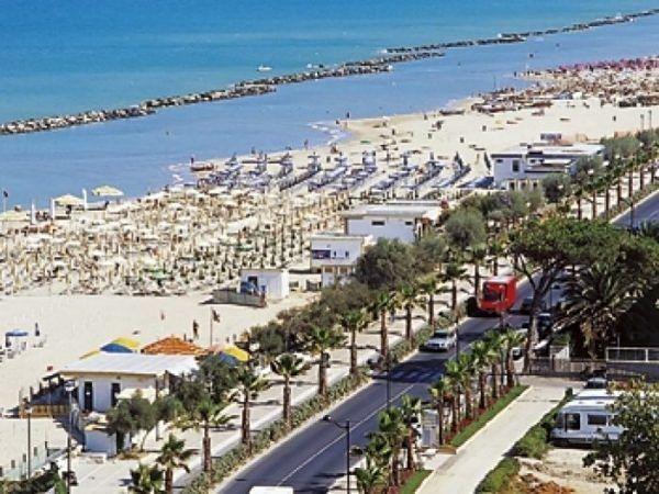 Montesilvano-Pescara: un trenino elettrico per i turisti