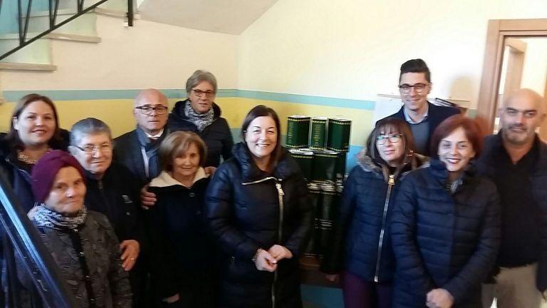 """Tortoreto, """"l'olio"""" del Comune donato alla Caritas: l'iniziativa FOTO"""