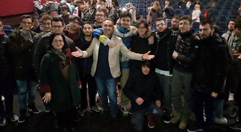 Montesilvano, Vincenzo Olivieri incanta gli studenti dell'IIS Alessandrini