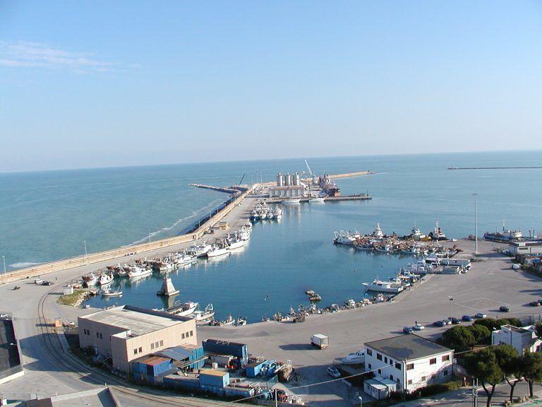 """Dragaggio porto Ortona. Di Sante: """"Pescara e Montesilvano in silenzio"""""""