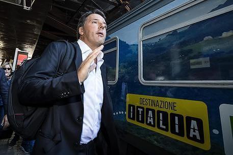 Renzi a Scerne di Pineto, M5S: 'dispendio di soldi pubblici per la visita del segretario PD'