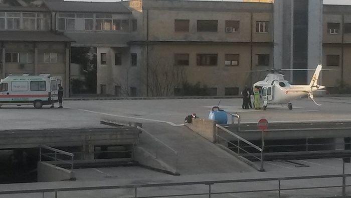 """Pescara, l'eliporto dell'ospedale resta chiuso: """"La Asl deve 450mila  euro al Comune"""""""