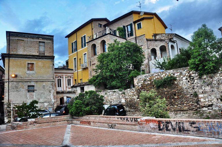 """Teramo, comitato Santa Maria Bitetto: """"Riqualificare Piazzetta del Sole"""""""