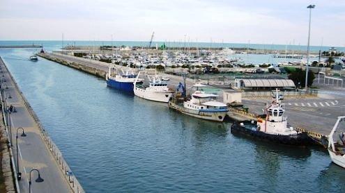 Pescara, il dragaggio del porto non parte