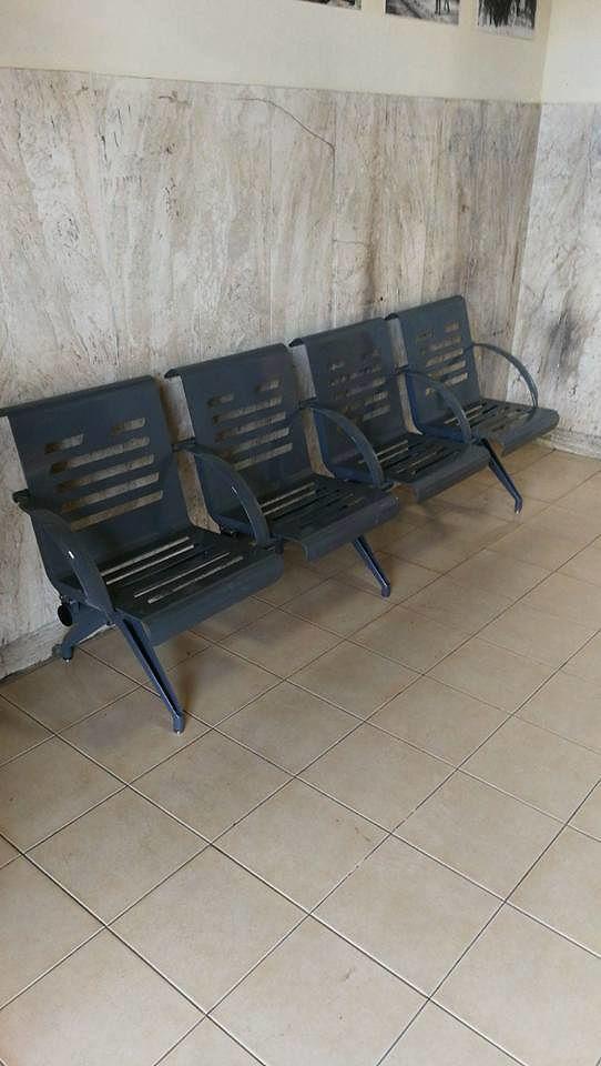 Alba Adriatica, posizionate le nuove sedute nella stazione ferroviaria