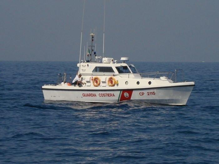 Malore a bordo di un peschereccio: intervento della Guardia Costiera di Ortona