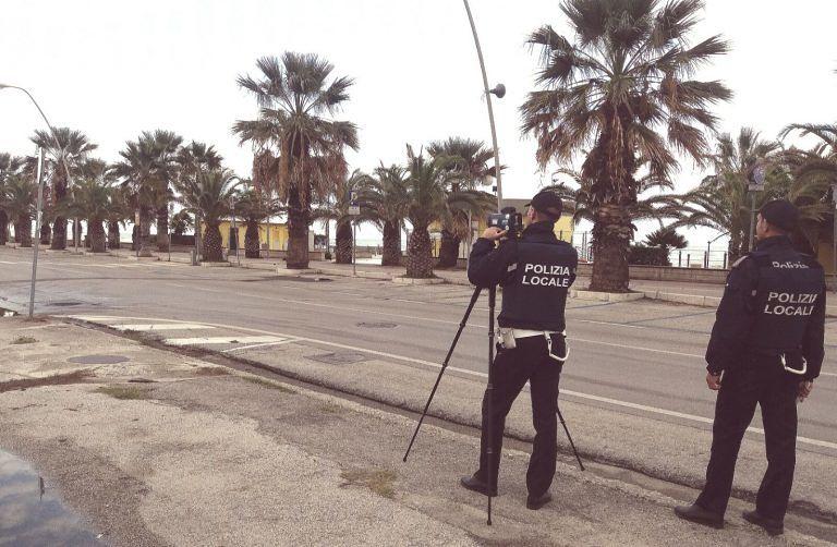 Tortoreto, telelaser e auto sequestrate: intensificati i controlli della polizia locale