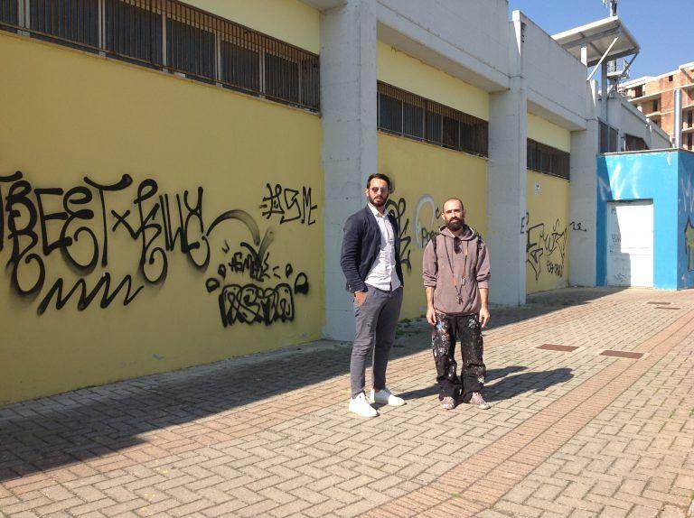 Street Art a Montesilvano: Urka a lavoro su via Foscolo