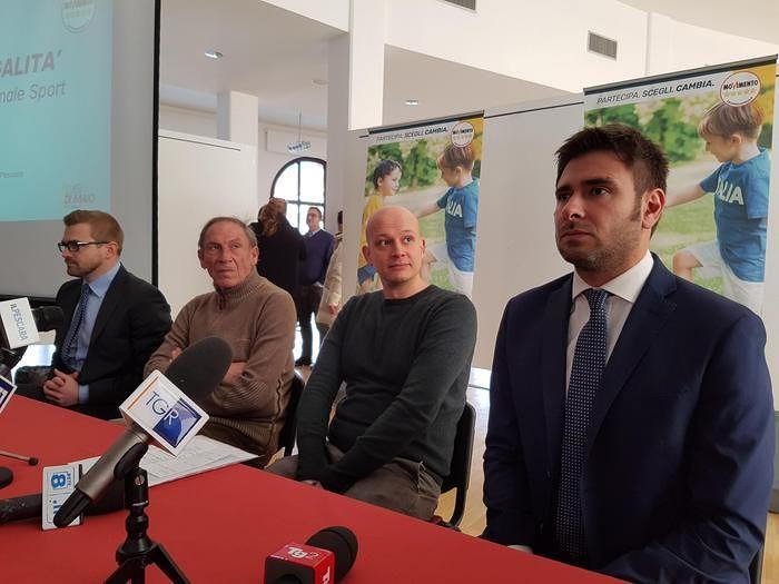 Pescara, Zeman schierato con il Movimento 5 Stelle: l'olimpionico Fioravanti ministro dello Sport