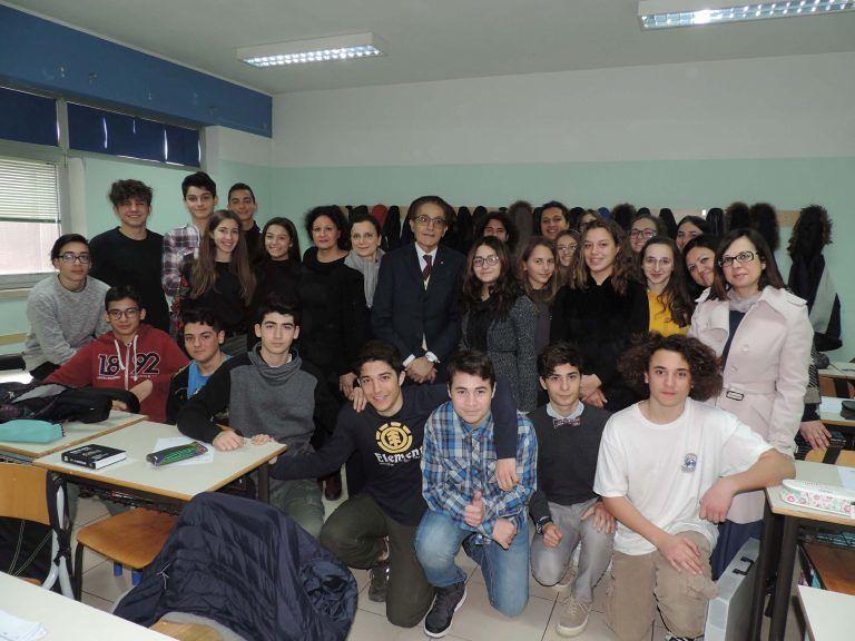 Pescara, la Lilt al liceo 'Galilei' per il progetto sulla prevenzione
