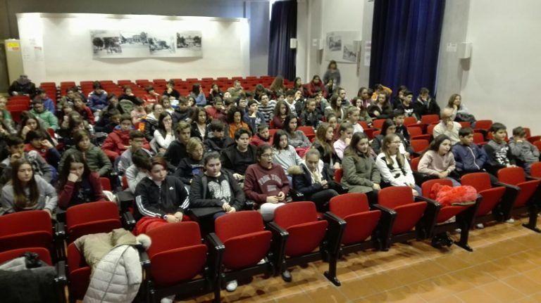 Giulianova, lotta al bullismo e al cyberbullismo con gli studenti della scuola Bindi