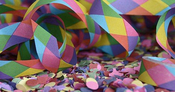 Carnevale ad Atri con la sfilata di carri e maschere
