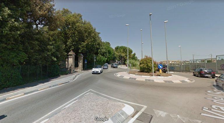 Pescara, rottura idrica: lavori e senso unico in via del Santuario