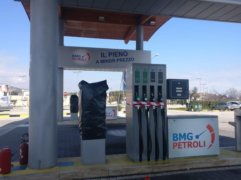 Martinsicuro, frode sui carburanti: sigilli all'area di servizio sulla Sp 259