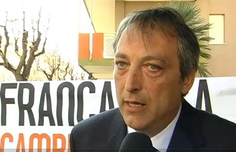 Francavilla, il sindaco si prende una pausa di riflessione