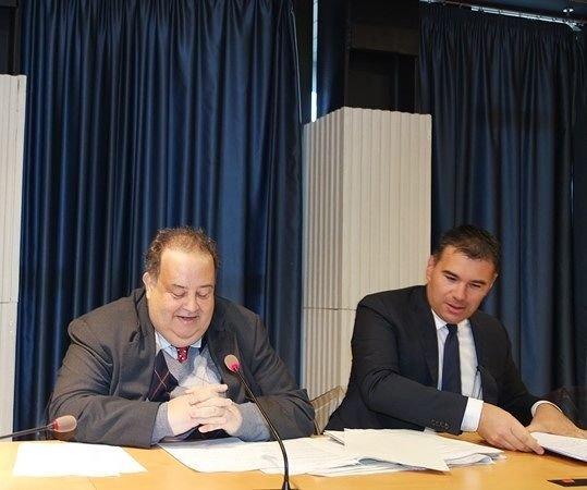 Abruzzo, si dimettono gli assessori Di Matteo e Gerosolimo: D'Alfonso azzeri la giunta