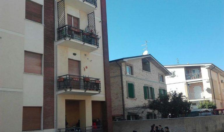 Alba Adriatica, distacco dell'intonaco dal solaio: inagibili due appartamenti in viale della Vittoria